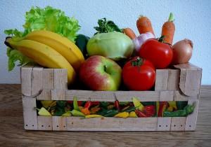 Kiste frisches Obst + Gemüse