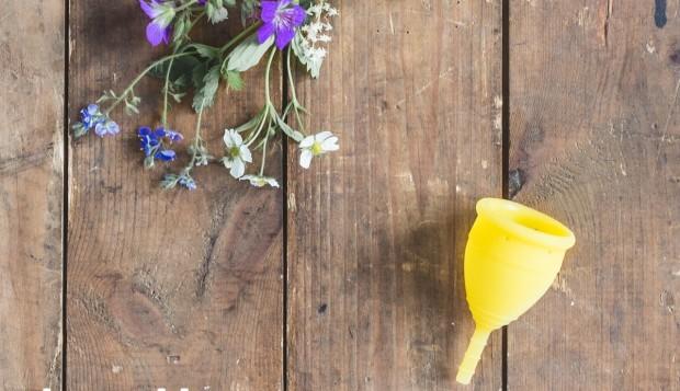 Lunette_gelb mit Blume