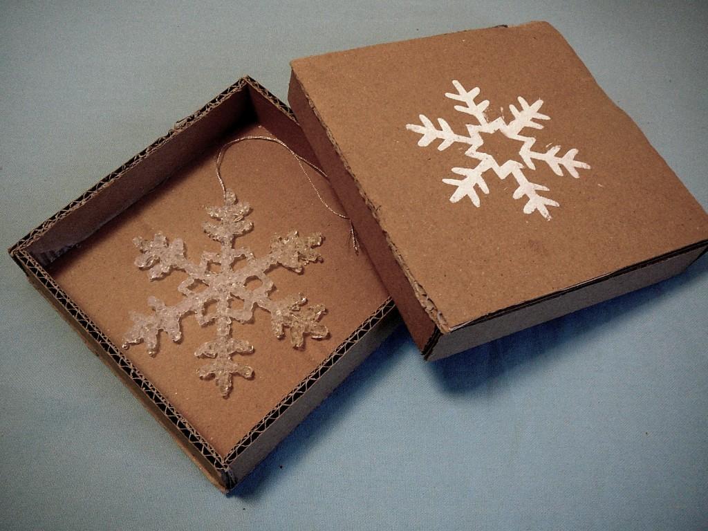 Schneeflocke im Karton weniger Farbe